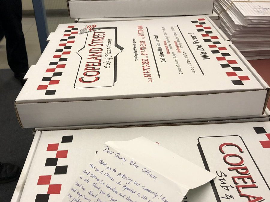 Thank you to the staff at the Bauer House for your thoughtful note and sending lunch to our officers…. and it's #CopelandPizza 😊 👮🏼‍♂️❤️🍕 https://t.co/pyx26jpJjJ
