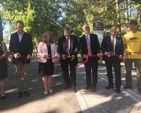 MassDOT Highway Administrator Jonathan Gulliver joined state and local officials in #Concord to…
